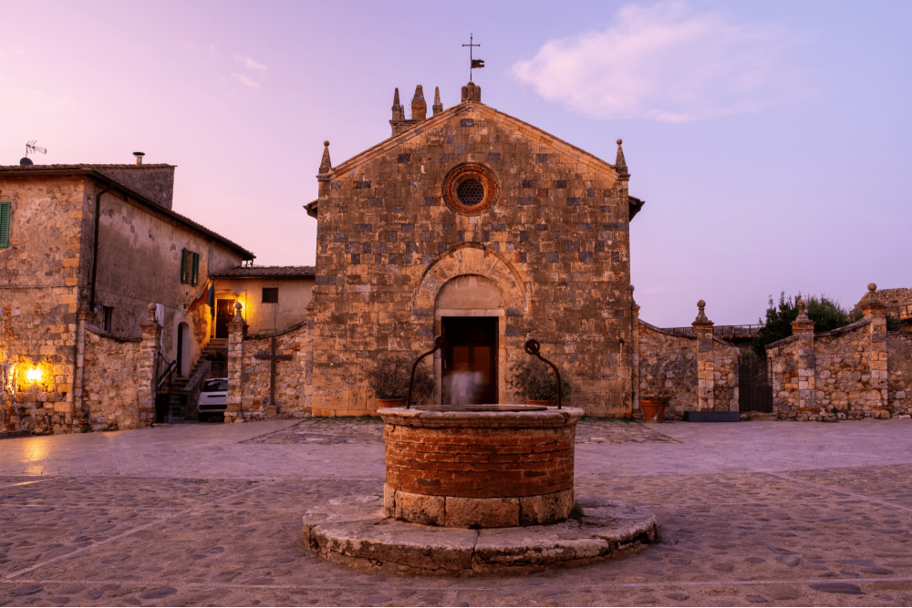 Piazza Roma e la Chiesa di Santa Maria